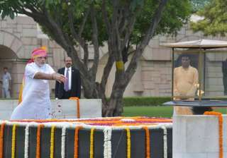 Prime Minister Narendra Modi paying homage to Mahatma Gandhi at Rajghat.