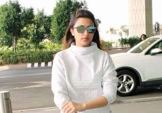 Actress Parineeti Chopra donned all white look. With glares and comfortable clothes, the actress gave fashion goals to movie buffs. She is gearing up for the release for her upcoming film Meri Pyaari Bindu opposite Ayushmann Khurrana.