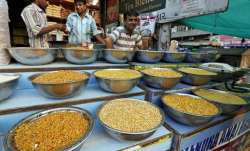 Wholesale inflation in September falls to 2.6 pc