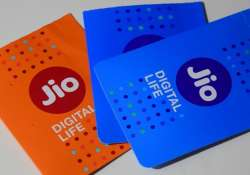 Jio plays Cupid, wishes rivals Airtel, Voda and Idea a- India Tv