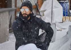 You can't stop drooling over Ranveer Singh's new hot