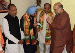 Former Delhi Congress chief Arvinder Singh Lovely joins BJP
