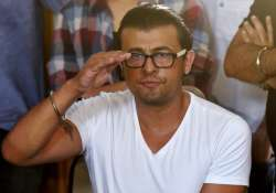 Sonu Nigam has given Rs 5 lakh to driver Salim Sheikh