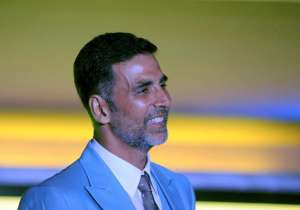 Intruder enters Akshay's house to seek shelter. Know what- India Tv