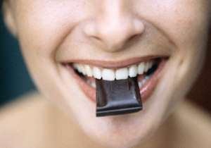 Eat lots of dark chocolates to reverse ageing - India Tv