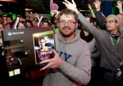 xbox one crosses million sold mark in under 24 hours