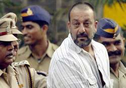 sanjay dutt comes out of yerawada jail for check up