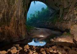 know about world s largest cave son doong in vietnam