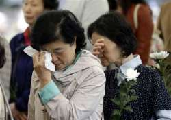 south korea diver dies in sunken ferry searches