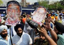 aap joins sikh protest against sajjan s acquittal