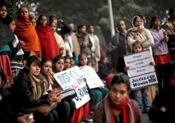 dec 16 gang rape family to set up trust tributes paid to