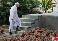 hazare suffering from infection to go ahead with fast