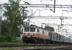 bomb scare on lucknow shatabdi express train evacuated at