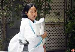 mamata makes surprise visit to state run hospital in