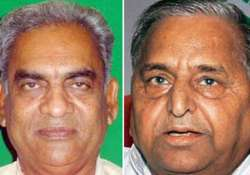 mulayam shunts out sp spokesman over d p yadav