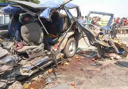 six killed in collision between container truck and car