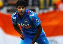varun aaron signs for durham cricket club in english county