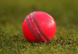 critics slam use of pink balls for first day night test