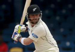 mccullum s 202 leads nz to 388 2 at lunch vs. pakistan
