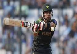 world t20 pakistan keep hopes alive with 16 run win over