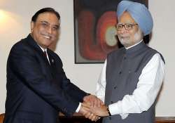 zardari writes to singh hails indo pak cricket ties