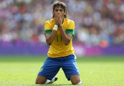 brazil settles for 1 1 draw with colombia