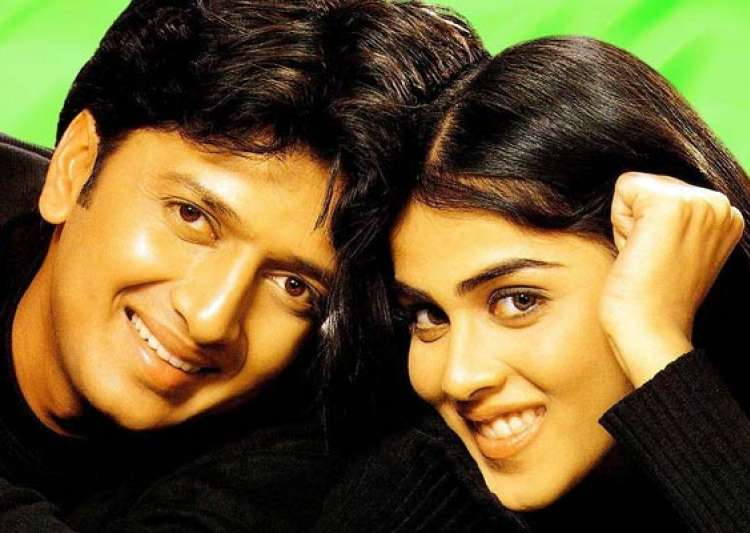 bollywood elated with riteish genelia marriage news- India Tv