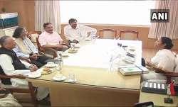 Kamal Haasan meets West Bengal CM Mamata Banerjee