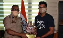 Suresh Raina with J&K DGP