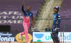 Live Score Rajasthan Royals vs Mumbai Indians IPL 2020: De Kock departs early after MI opt to bat