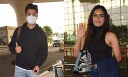 Vicky Kaushal, Manushi Chhillar airport look, pics