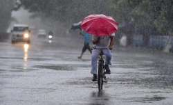 Light rains bring down mercury in Delhi; Squalls likely in NCR region on Wednesday