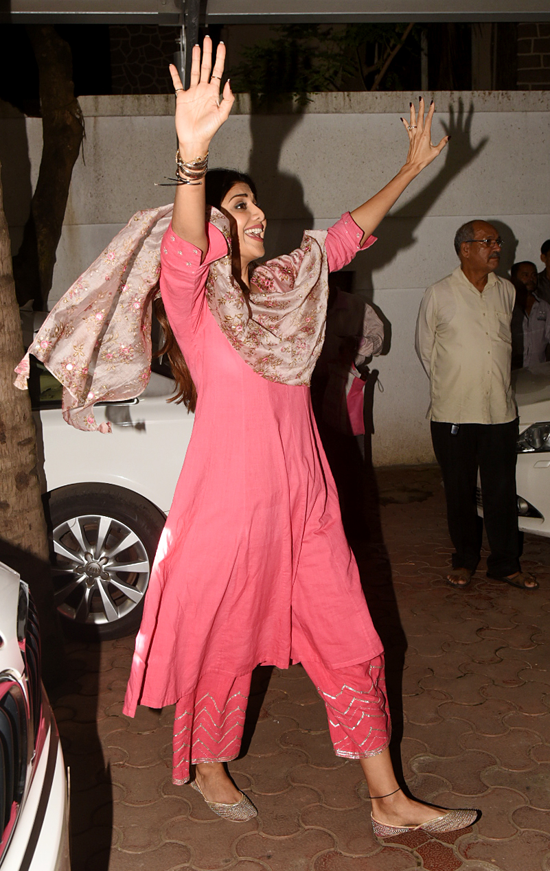 Shilpa Shetty and husband Raj Kundra welcome Ganpati Bappa