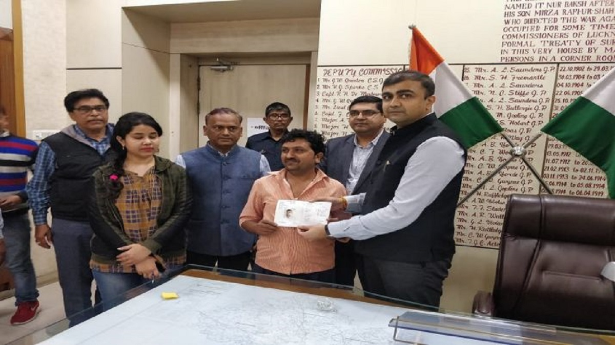 Lucknow Sets A New Record All 51 846 Farmers Allotted Kisan Credit Cards Business News India Tv