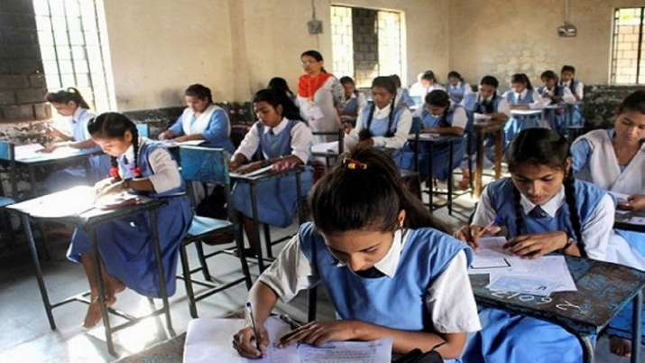 indiatvnews.com - PTI - MP Board 2020: 15-year-old girl, who attended school by cycling 24 km a day, gets 98.7% in Class 10 exam