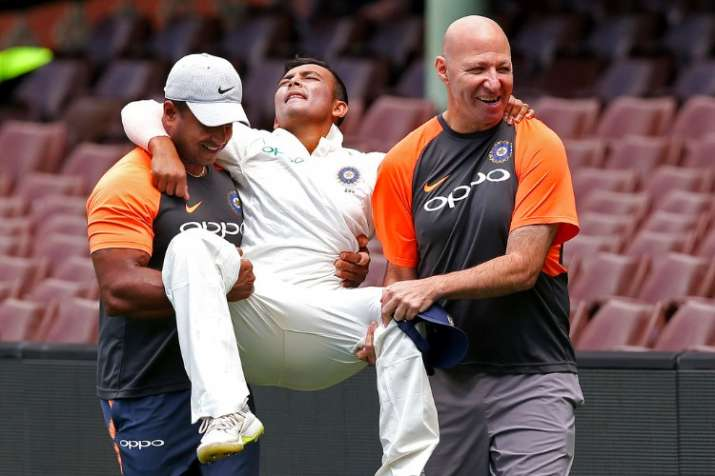 India dealt major scare as Prithvi Shaw suffers injury