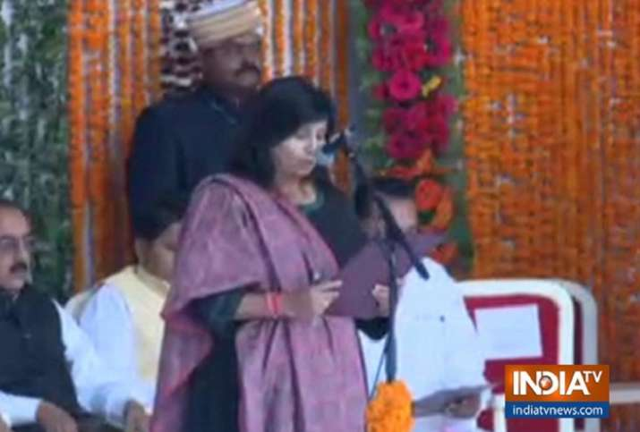 28 MLAs took oath as ministers  in Madhya Pradesh