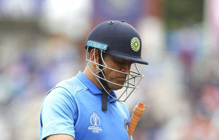 Selectors should inform Dhoni if they have decided to move forward Virender Sehwag