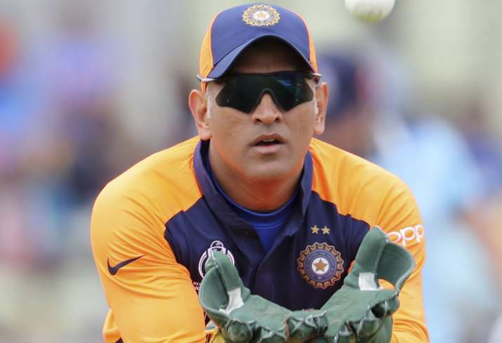 2019 World cup: MS Dhoni missed calling for DRS, but it isn't his job alone