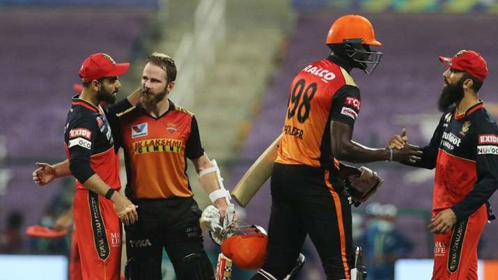 Williamson and Holder after clinching the victory for SRH.