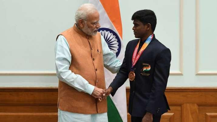 PM Modi heaps praise on Mariyappan Thangavelu