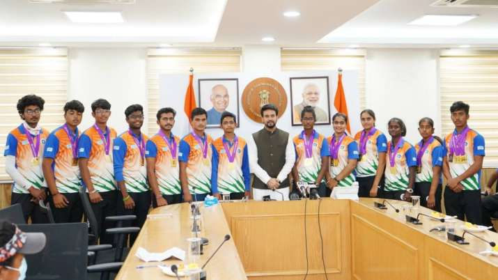 Anurag Thakur with World Youth Archery winners